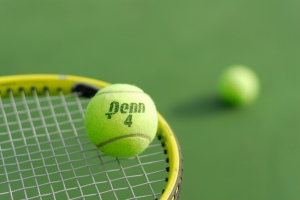 Tennis ball balancing